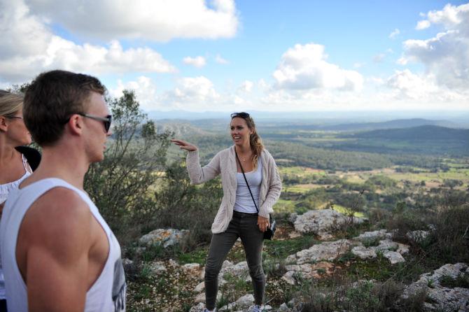Andreas Lindén & Ida Carlsson på Randa, Mallorca. Vi rekar banan inför cykelläger Mallorca Runt under 2013