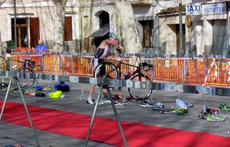 Andreas Lindén växlar från löpning till cykel Artà Duathlon 2013