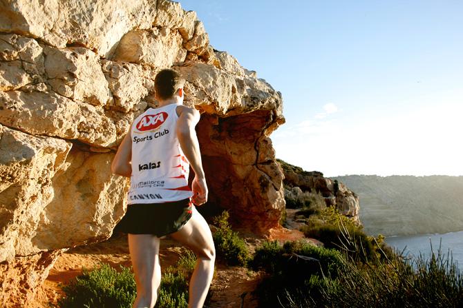 Andreas Lindén springer i El Toro på Mallorca, löpning