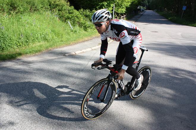 Canyon Speedmax CF 2013 - Andreas Lindén i aeroposition, tempocykel, triathloncykel
