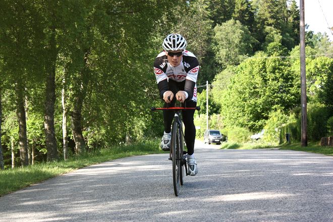 Canyon Speedmax CF 2013 - Andreas Lindén i aeroposition, tempocykel